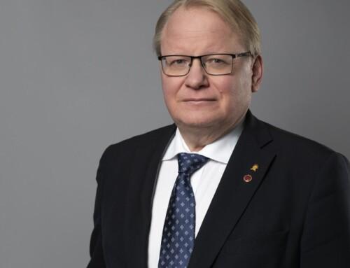 Svensk forsvarsminister: Vi støtter kurdernes frihedskamp