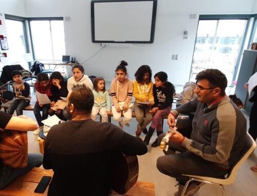 Unge lærer saz og kædedans i Kolding
