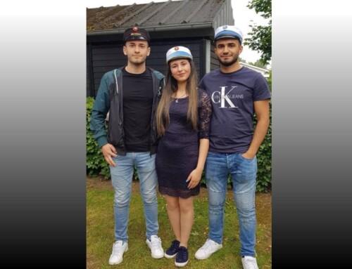 Tre kurdiske søskende blev studenter samtidig