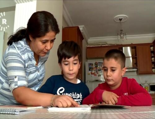 Kurdisk undervisning forbudt: Mor underviser selv børn derhjemme